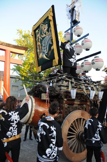 津島秋祭中部有志石採祭車
